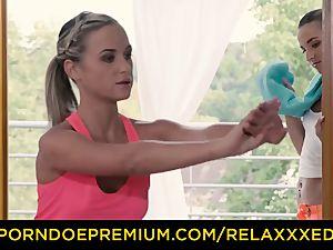 RELAXXXED sapphic Amirah Adara drilled on yoga class