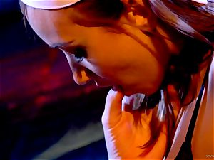 Sarah Vandella likes teasing Louisa Lanewoods moist slot