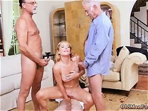 ash-blonde mummy phone Frannkie And The group Tag team A Door To Door Saleswoman