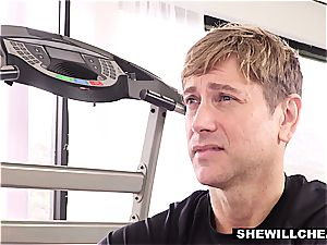 SheWillCheat wife bangs Trainer In Front Of spouse