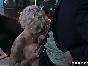 naughty secretary Harlow Harrison bangs the manager throughout his desk