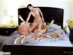 Veronica Avluv and India Summer - My dear hubby, you want to attempt my friend's vagina