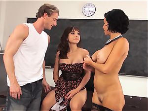 splattering goddess Cytherea demonstrates what shes got in the classroom