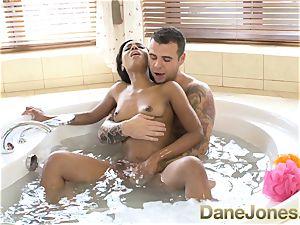 Dane Jones amazing blow-job and steamy bathtub boink
