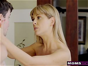 huge-boobed cougar Gets red-hot Mother's Day 3 way! S8:E4
