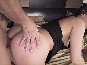 Carla Crouz getting her cornhole gaped