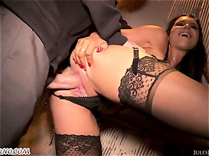 Romi Rain - unbelievable sizzling inexperienced porno in the street