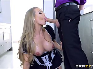 brainy and great maid Nicole Aniston knows what her manager needs