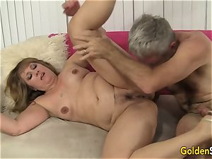 sizzling to Trot milf Catrina Costa Takes a massive manmeat