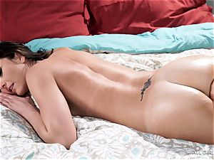 Bianca Breeze and Darcie Dolce continue their steaming session