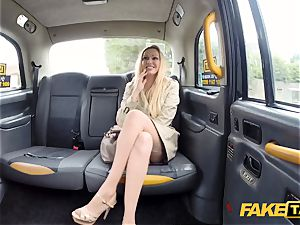 faux taxi Driver gets more than a show by Amber Jayne