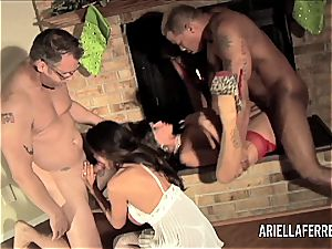 Things gets red-hot on Christmas with Ariella Ferrera