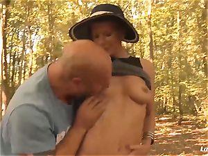 LA newcummer - French mature newbie anal invasion poked outdoors